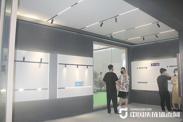 来斯奥嘉兴展:联手顾家集团MR.KU,软硬兼赢